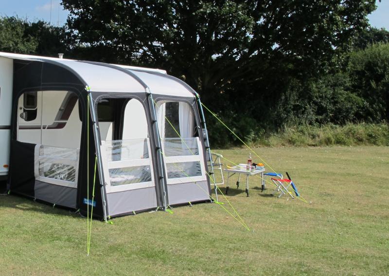 auvent partiel leger de camping car motor rally pro 260l et 260 xl. Black Bedroom Furniture Sets. Home Design Ideas