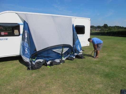 Auvent kampa rally air pro 390 pour caravane for Auvent gonflable kampa pour camping car