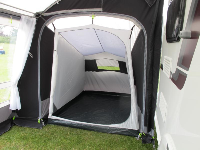 Annexe chambre kampa pour auvent gonflable fiesta air pro for Caravane chambre 19 meubles