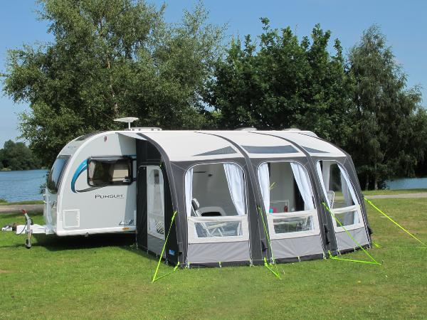 solde sur auvents gonflables pour caravane et camping car. Black Bedroom Furniture Sets. Home Design Ideas