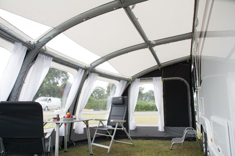 Good auvent gonflable kampa ace air pro with chambre pour for Caravane chambre